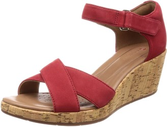 Clarks Women's Un Plaza Cross Ankle Strap Sandals