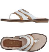 Alviero Martini Toe strap sandals