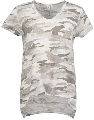 True Grit Dylan by Camo Chic Boyfriend Short Sleeve T-Shirt (White) Women's Clothing