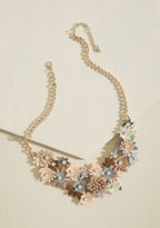 ModCloth Gardener of Glamour Necklace in Peach