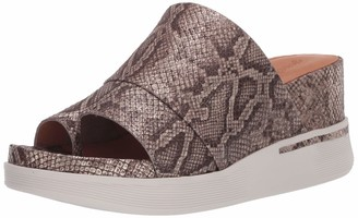 Gentle Souls by Kenneth Cole Women's Sporty Wedge Slip on Sandal Toe Ring