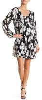 Robbie Bee V-Neck Cold Shoulder Print Dress