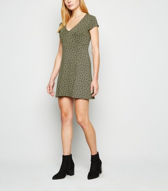 New Look Floral Spot Jersey Empire Skater Dress
