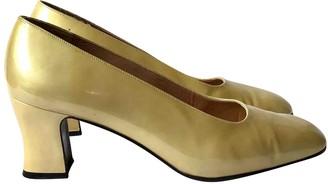 Stuart Weitzman Gold Patent leather Heels