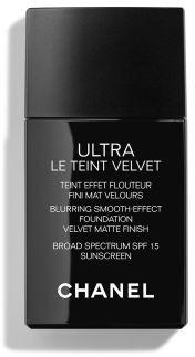 Chanel ULTRA LE TEINT VELVET Blurring Smooth-Effect Foundation Velvet Matte Finish Broad Spectrum SPF 15 Sunscreen