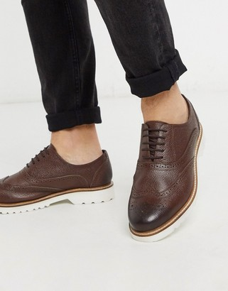 Ben Sherman leather chunky brogue shoe in brown