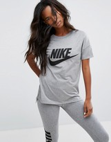 Nike Signal Short Sleeve T-Shirt In Grey With Large Logo