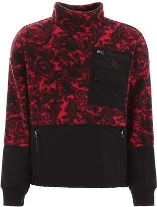 The North Face Swirling Patterned Pocket Patch Pullover