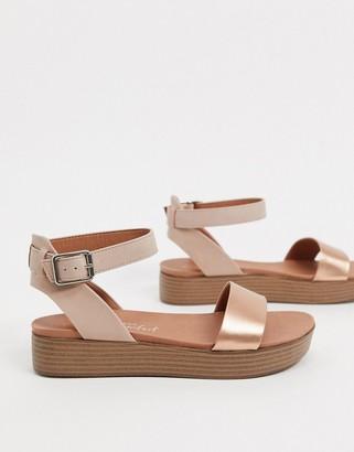 New Look flatform sandals in gold