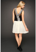 Jessica Simpson Sleeveless Sweetheart Lace Neckline Dress with Piping Detail