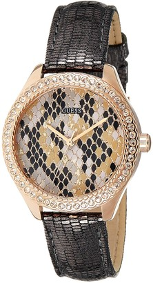 GUESS Womens Analogue Quartz Watch with Leather Strap W0626L2