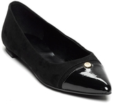 Tommy Hilfiger Pointed Cap Toe Flat