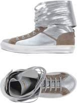 MET Sneakers