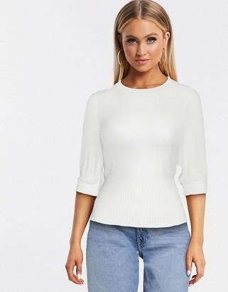 Qed London short sleeve sweater in cream