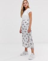 Asos Design DESIGN bias cut satin midi skirt with splits in silver floral print