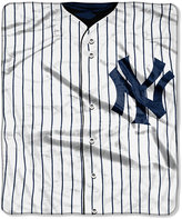 Northwest Company New York Yankees Raschel Strike Blanket
