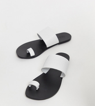 ASOS DESIGN Wide Fit Faro leather toe loop flat sandals