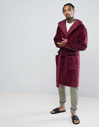 Asos Design Hooded Dressing Gown Quilted In Velour-Red