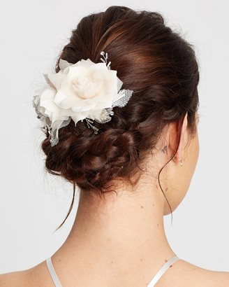 Ivory Knot Lorena Hair Clip