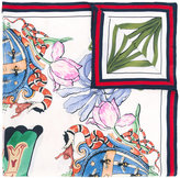 Gucci letter print scarf - women - Silk - One Size