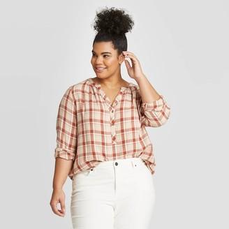Universal Thread Women's Plus Size Plaid Long Sleeve V-Neck Button-Front Tunic - Universal ThreadTM