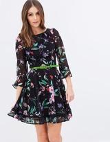 Review Wild Pixie Dress