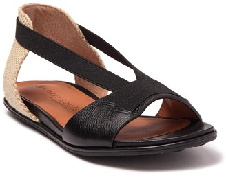 Gentle Souls by Kenneth Cole Lark Elastic Flat