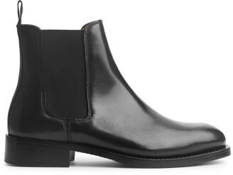 Arket Classic Chelsea Boot
