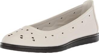 Easy Street Shoes Women's Alfie Ballet Flat