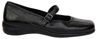 Wide Steps Brianna Black Glove Flat Shoes