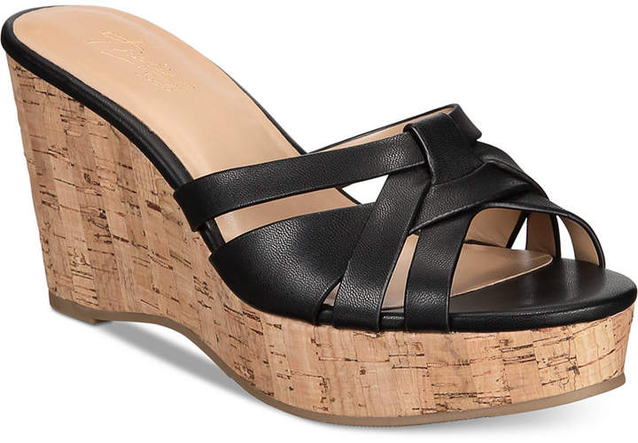 067c2e0cbae8 Thalia Sodi Women s Shoes - ShopStyle