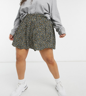 Daisy Street Plus mini pleated skirt in ditsy floral
