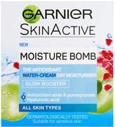 Garnier Moisture Bomb Glow Booster Day Cream