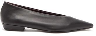 Bottega Veneta Point-toe Leather Ballet Flats - Womens - Black