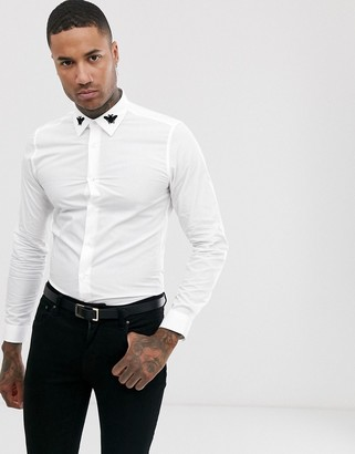 Devils Advocate bee embroidered collar slim fit shirt