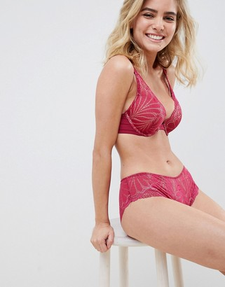 Wonderbra Refined Glamour lace padded triangle bra in cherry