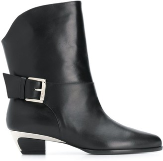 No.21 buckled ankle boots
