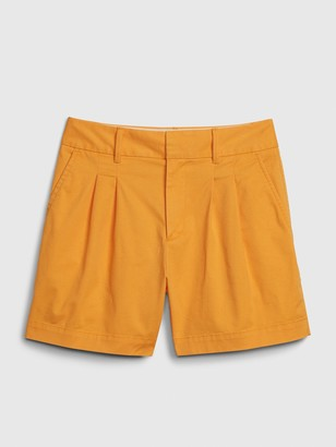 "Gap 5"" Pleated Khaki Short"