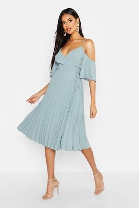 boohoo Woven Shoulder Pleated Midi Skater Bridesmaid Dress