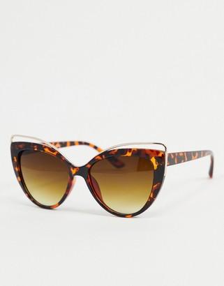 A. J. Morgan AJ Morgan cat eye sunglasses in tortoise shell with wire detail