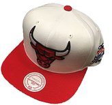 Mitchell & Ness Chicago Bulls 1992 Finals Commemorative Snapback Hat