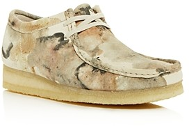Clarks Men's Wallabee Camo Print Chukka Boots