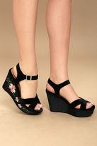 Qupid Acantha Black Velvet Embroidered Platform Wedges