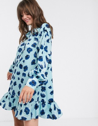 Glamorous mini smock dress with neck tie and peplum hem in poppy print-Blue