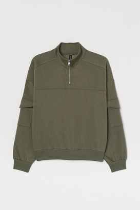 H&M H&M+ Sweatshirt with Collar - Green