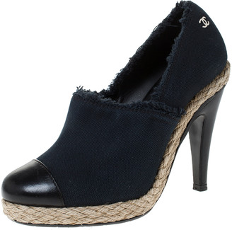 Chanel Navy Blue Canvas and Leather Cap Toe Espadrilles Clogs Size 36