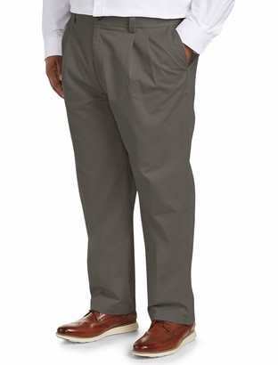 Amazon Essentials Men's Big & Tall Loose-fit Wrinkle-Resistant Pleated Chino Pant fit by DXL
