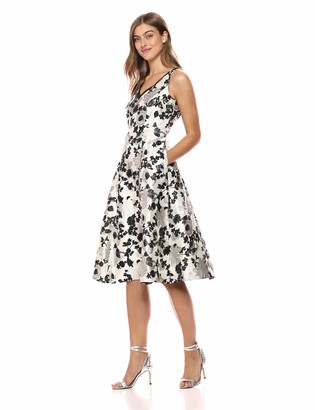 Adrianna Papell Women's Sleeveless Chic Metallic Jacquard Cocktail Dress