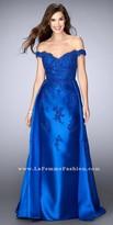 La Femme Sweetheart Off the Shoulder Lace Applique Prom Dress
