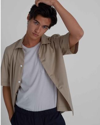 Club Monaco Convertible Collar Short Sleeve Shirt